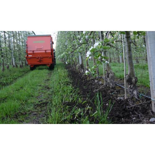 Ovocnářský hnojicí vůz